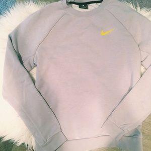 Nike sweatshirt with cutest open back!